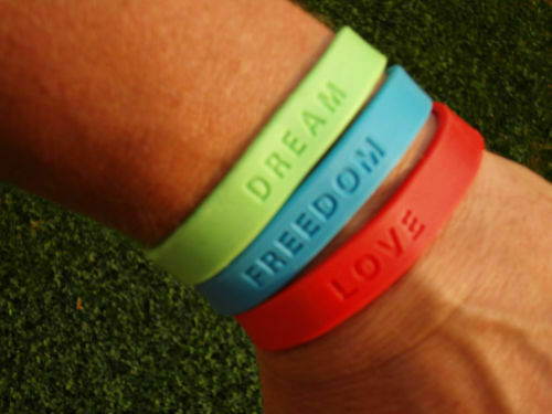 Freedom Dream tolles Geschenk 2er-Set Bracelet Silicone Armband Wristband Love