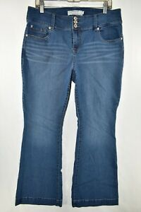 Torrid-Flare-Stretch-Jeans-Womens-Size-16S-Blue-Meas-33x30