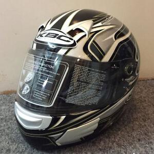 Cheap Sale Kbc Tk8 Slick Black Silver Fullface Motorbike Motorcycle