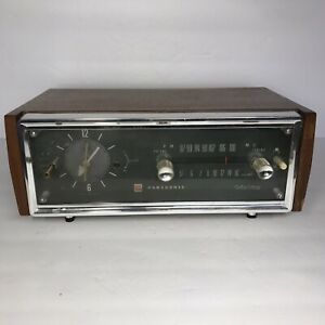 Vintage Panasonic Solidstate AM/FM Clock Radio Model RC-685. RARE. PARTS ONLY.