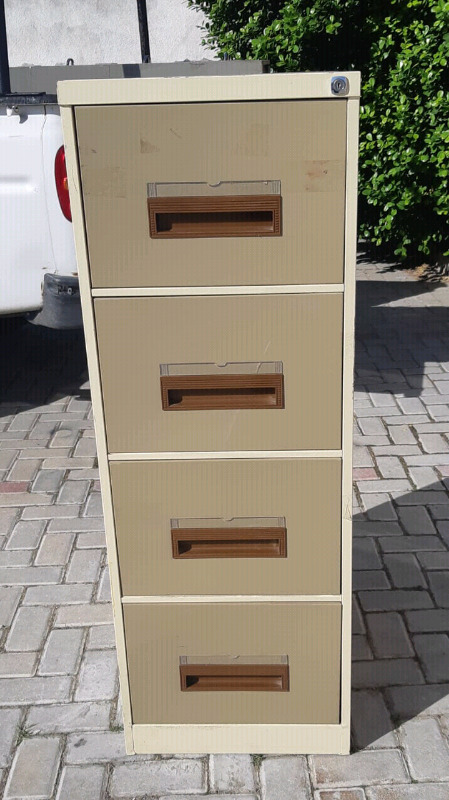 GOOD QUALITY FILING CABINETS FOR SALE