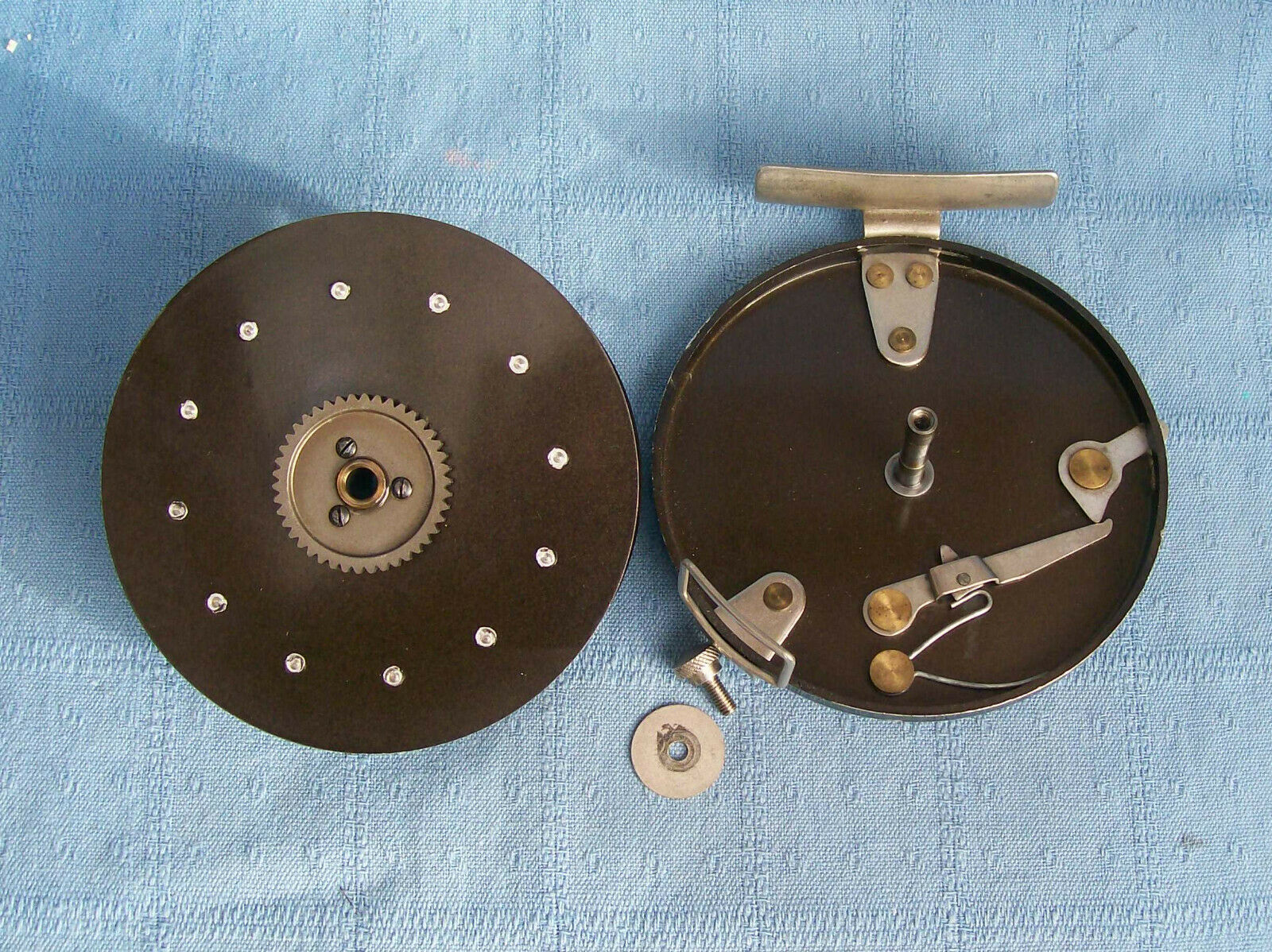 Vintage fully functional wide drum Mordex The Meteor  centre pin reel  after-sale protection