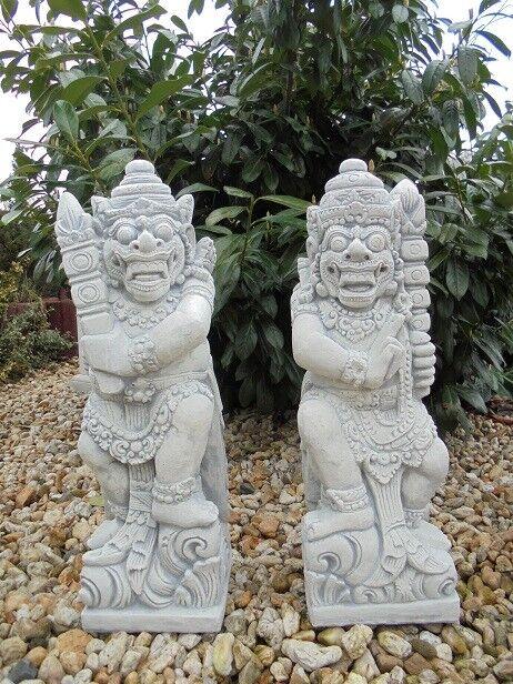 Gartenfiguren Set  Bali Krieger  Steinguss Tempelwächter Skulpturen Gartendeko