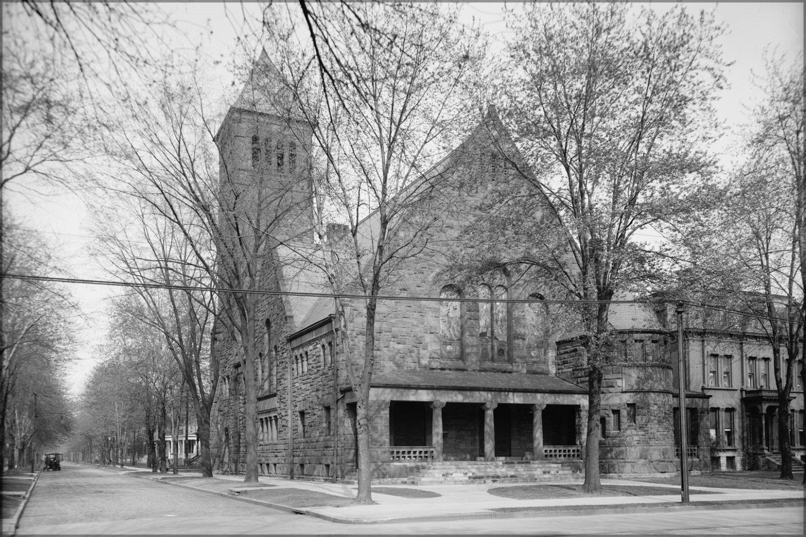 Plakat, Viele Größen; Erstens Unitarian Kirche, Woodward Allee, Detroit,