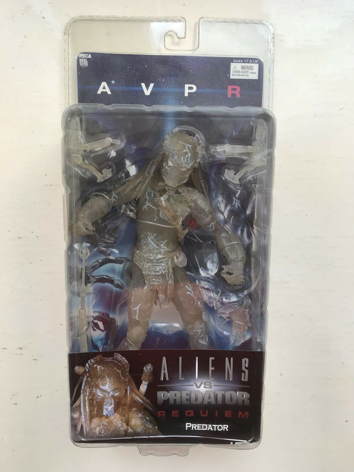 BNIB NECA ALIEN V PROTATOR REQUIEM SERIES STEALTH CLOAKED PROTATOR ACTION FIGURE