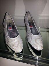 Iridescent White Sequin Pumps Heels Wedding Shoes 9M 9 9B NIB Costume Princess