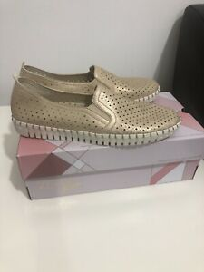Skechers Active Avenue Gold Air- Cooled