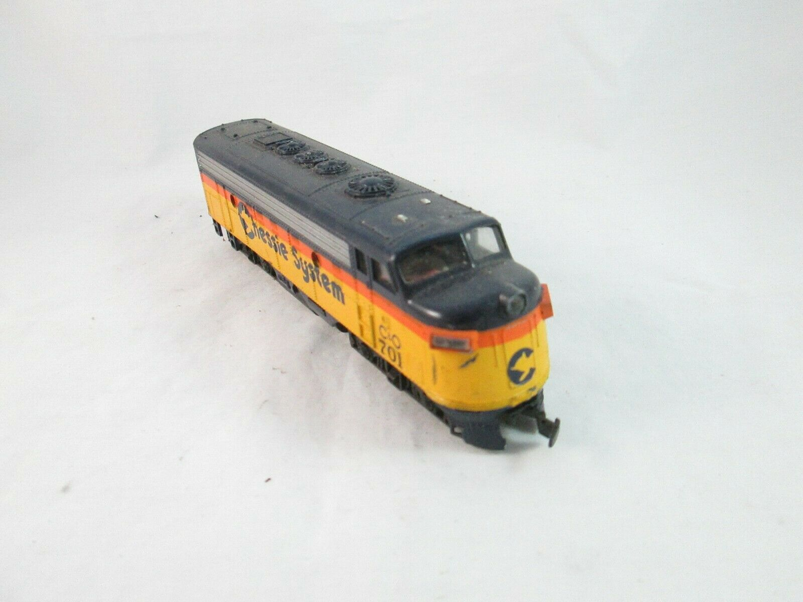 Vintage HO Train Passenger Locomotive Chessie System C&O 701 - Bachmann