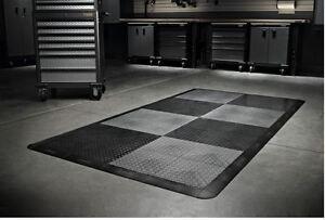 Garage Flooring Tiles : Gladiator garage flooring 32 piece 12in x 12in tread plate floor