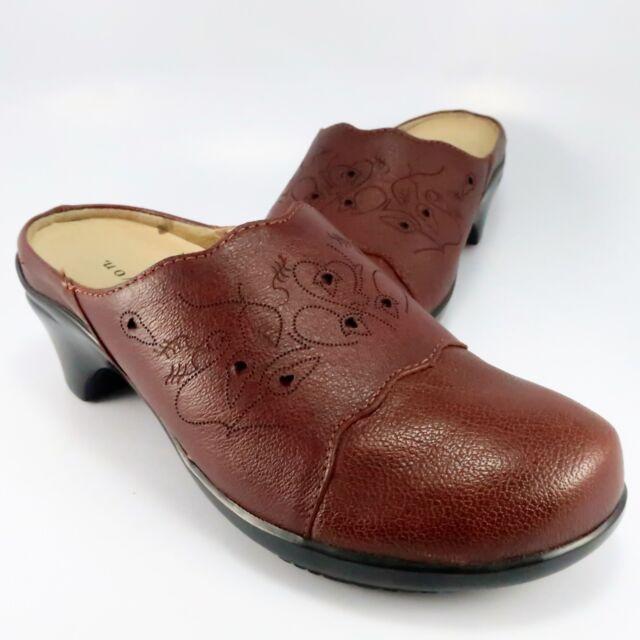 5753cadb7fdb9 Aravon MADDIE Clogs Womens Size 6.5B Brown Leather Mules Slides by New  Balance