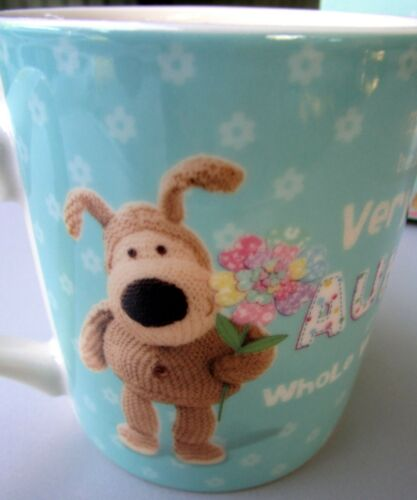 """/""""BOOFLE/"""" CHINA MUG /""""VERY BEST AUNTIE IN WORLD/"""" GIFT BOXED LOVELY BIRTHDAY GIFT!"""