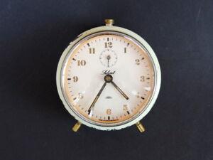 1960-039-s-Vintage-Mechanical-Retro-Alarm-Table-Desk-Clock-Prim-by-Czechoslovakia