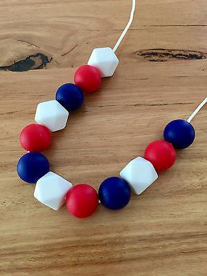 Brioso Collana Di Dentizione Nursery Sensoriale Baby Showers Sillicone Beads Rosso Blu E Bianco- L'Ultima Moda
