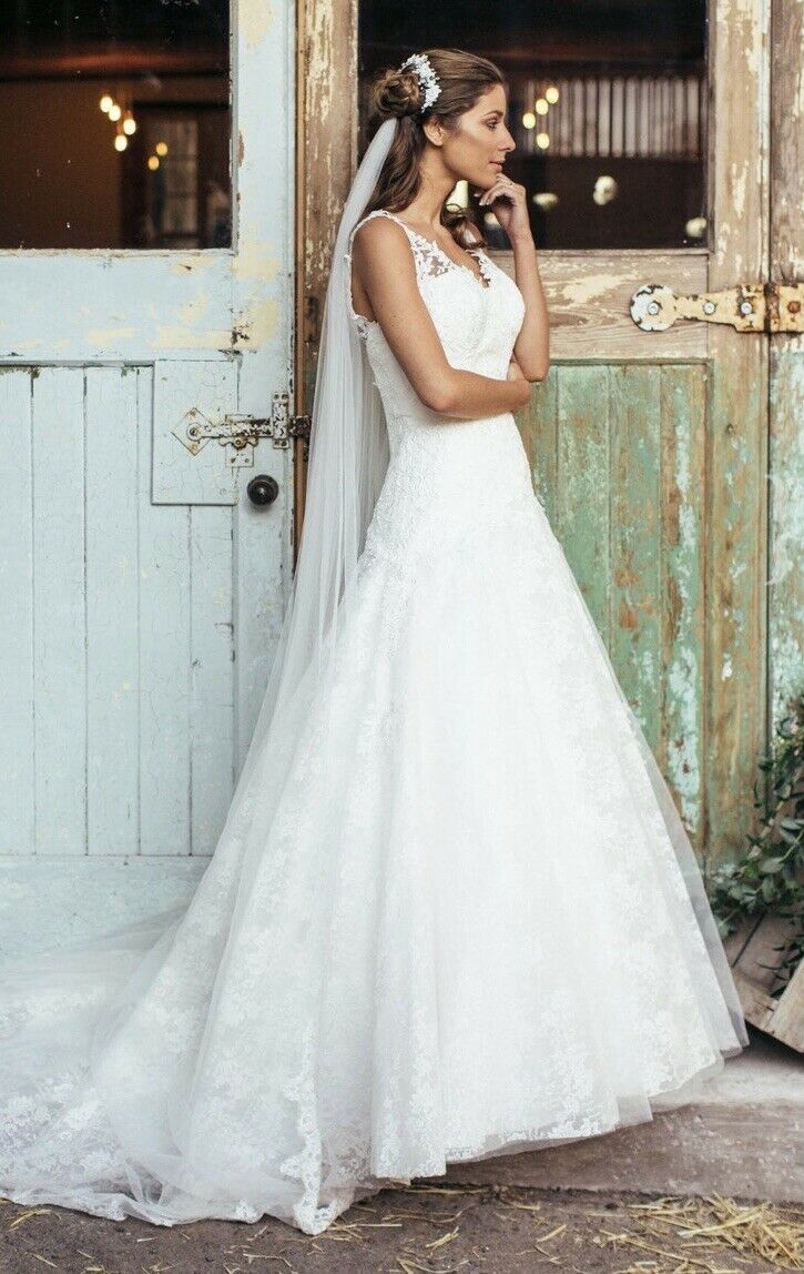 Amanda Wyatt Wedding Dress - New