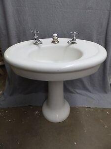 Oval Pedestal Sink : ... Iron White Porcelain Oval Pedestal Barber Shop Sink Vtg 5132-15 eBay