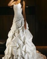 Authentic New store sample wedding dress gown Paloma Blanca 12 ivory in silk