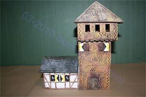 Mittelalter-Turmburg-mit-Haus-1460-zu-7cm-Sammelfiguren-Fertigmodell-GMK