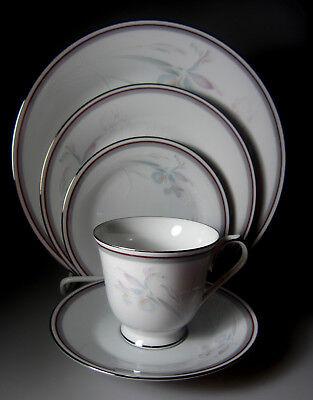 Noritake MALVERNE Cup /& Saucer 3501 GREAT CONDITION