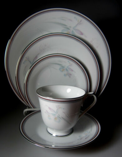 5-PIECES NEW NEVER USED Noritake Malverne 3501   PLACE SETTING