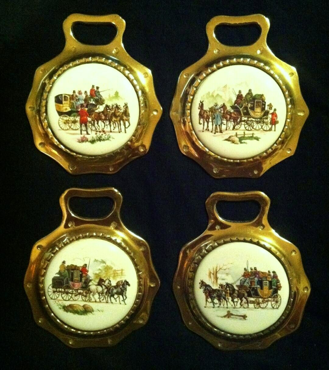 SET OF 4 Vintage VIER-IN-HAND HORSE & CARRIAGE Porcelain Brasses WOW IHRE WALLEN