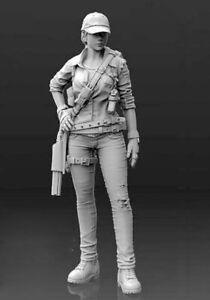 1-35-Resin-Female-Gunner-Guard-Unpainted-Unassembled-BL821