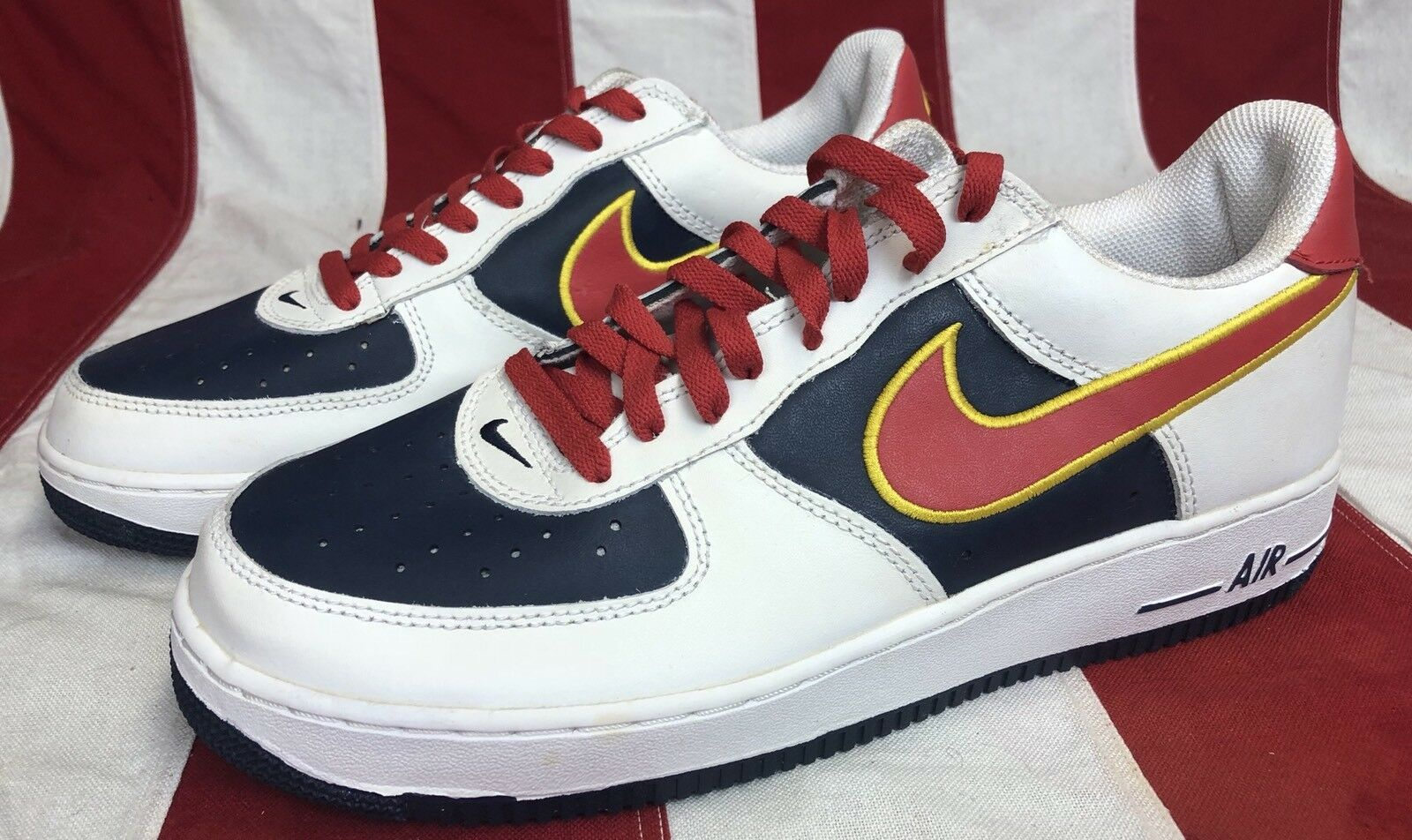 2005 NIKE AIR FORCE 1 ONE CLEVELAND CAVALIERS SZ 10.5 RED WHITE blueeE 306353-164