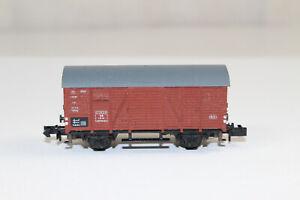 n3009-Arnold-gedeckter-Gueterwagen-der-DB-aus-SET-Spur-N-mint