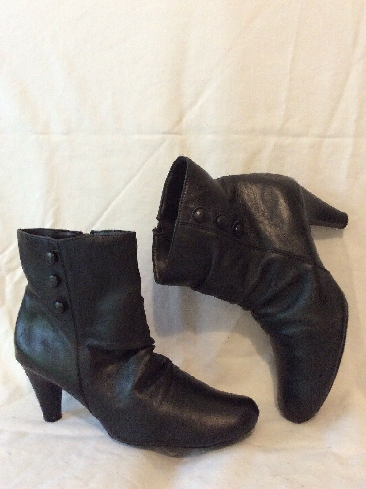 Gluv Your Feet Black Ankle Leather Boots Size 6