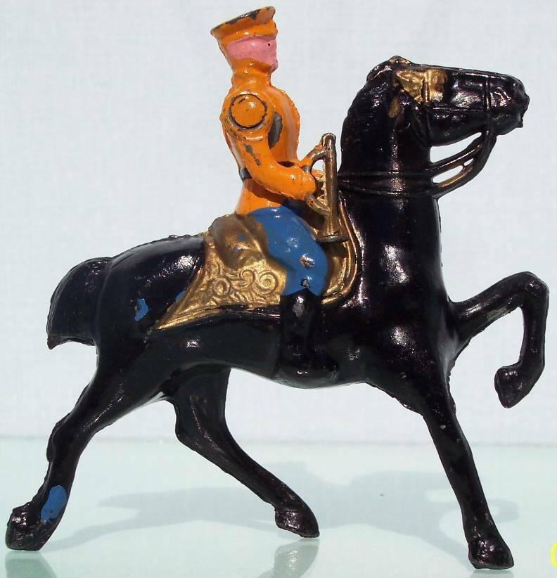 BARCLAY TOY SOLDIERS HOLLOW CAST Bba MOUNTED OFFICER BUGLE ON CANTERING HORSE