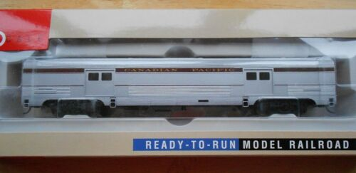 WALTHERS 73' BUDD BAGGAGE CAR HO GAUGE CANADIAN PACIFIC NIB