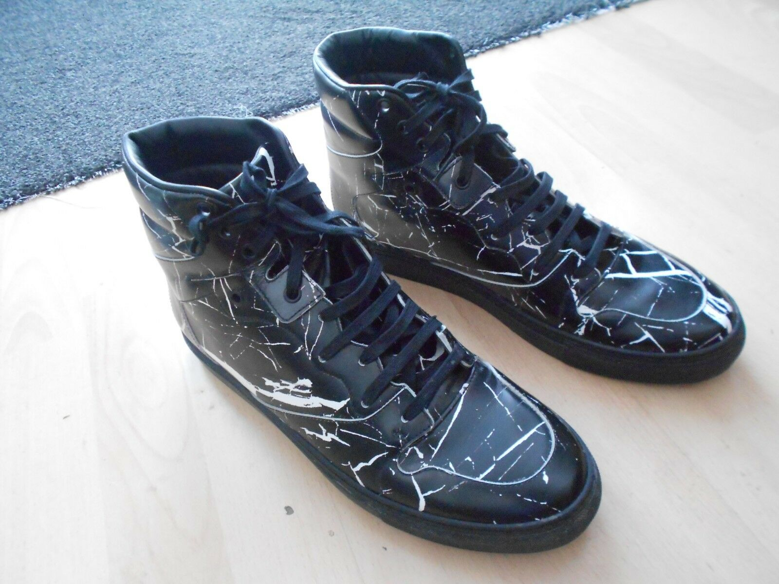 MENS BALENCIAGA HI TOP TRAINERS -UK SIZE 9 - IN  GOOD CONDITION