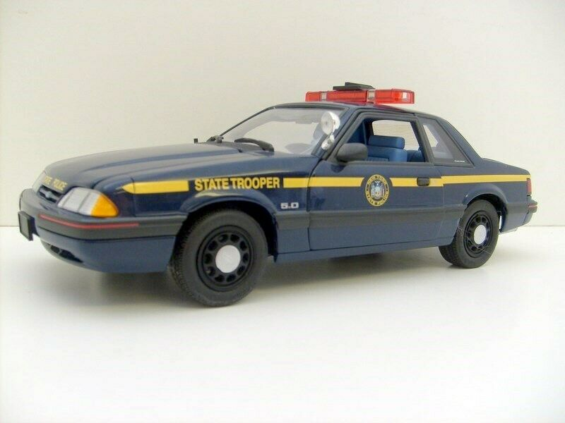 1 18 police 1988 SPECIAL SERVICE FORD MUSTANG NEW YORK  NYPD