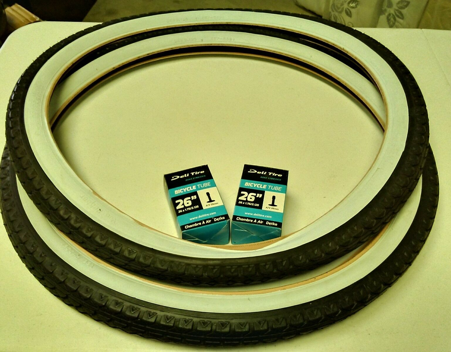 Two (2) White Wall 26x2.125 Bicycle Tires & (2)Deli inner tubes Beach Cruiser
