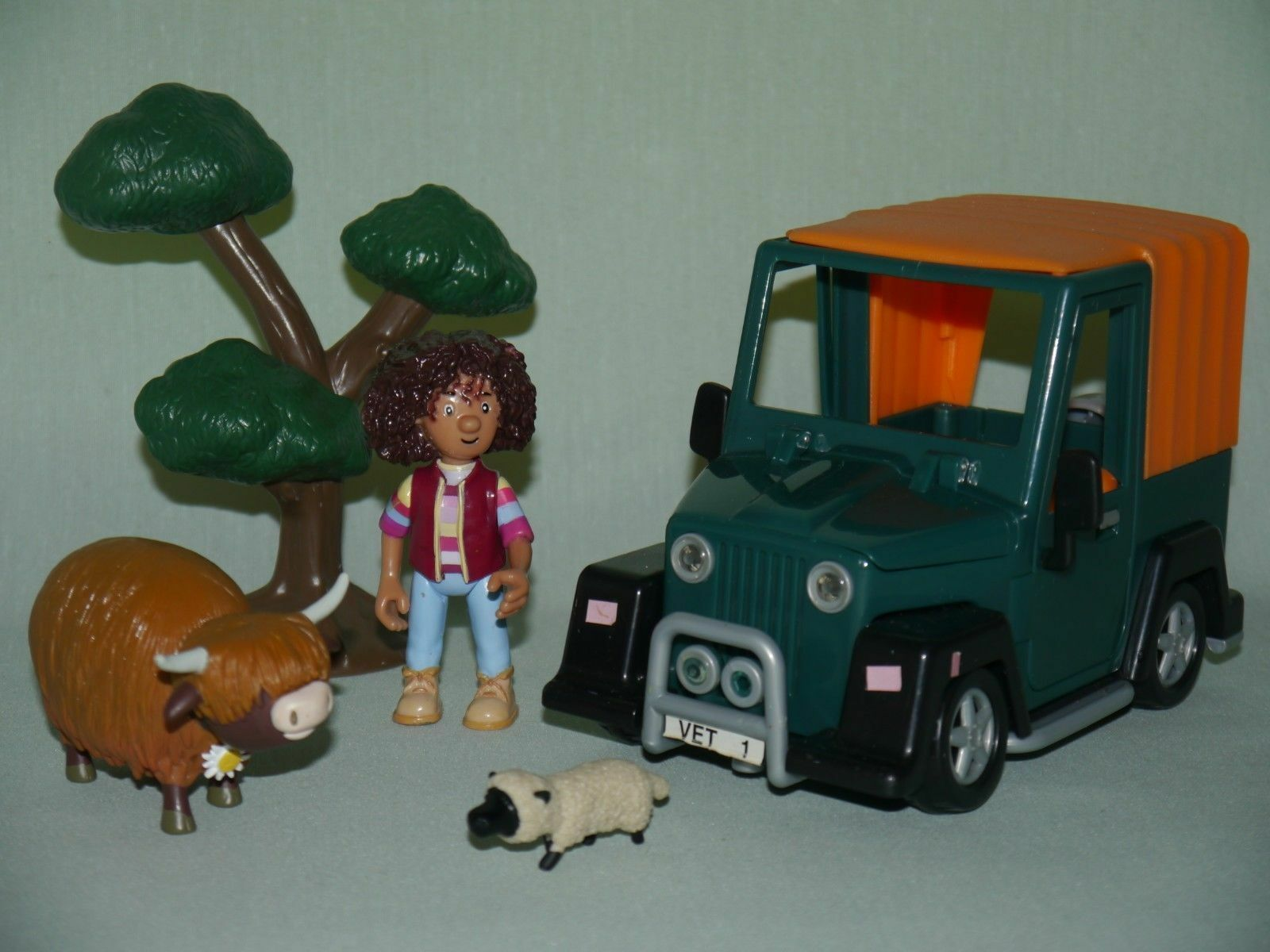 Postman Pat Bundle_Amy the Vet and Her Jeep_Cow Daisy_Weiß Sheep___22