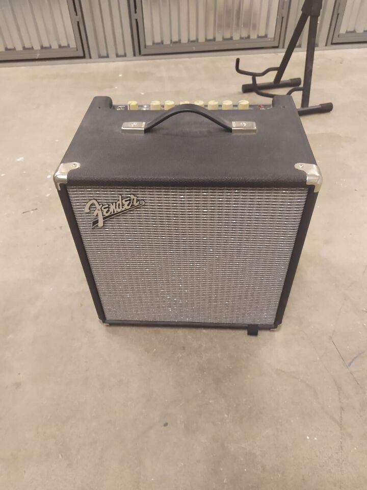 Fender Rumble 40 v3 Bass Combo Amplifier, Like New Rumbles 4
