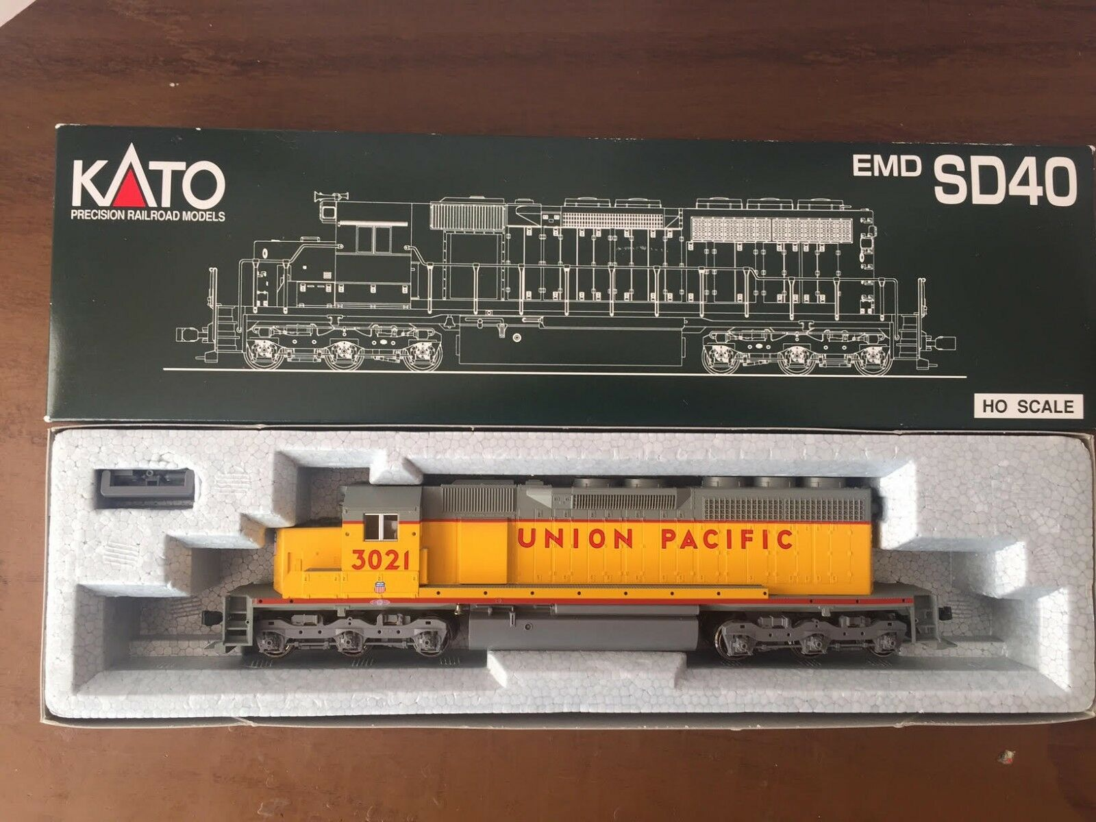 Kato (Made in Japan) American Diesel Locomotive SD-40 up