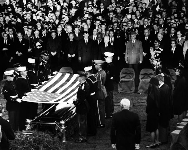 CC-133 PALLBEARERS CARRY FLAG-DRAPED CASKET OF JOHN F 8X10 PHOTO KENNEDY