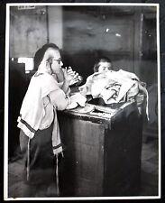 JUDAICA PALESTINE 1936 JUDAICA ANTIQUE BIG PHOTO OF A JEWISH IN SYNAGOGUE