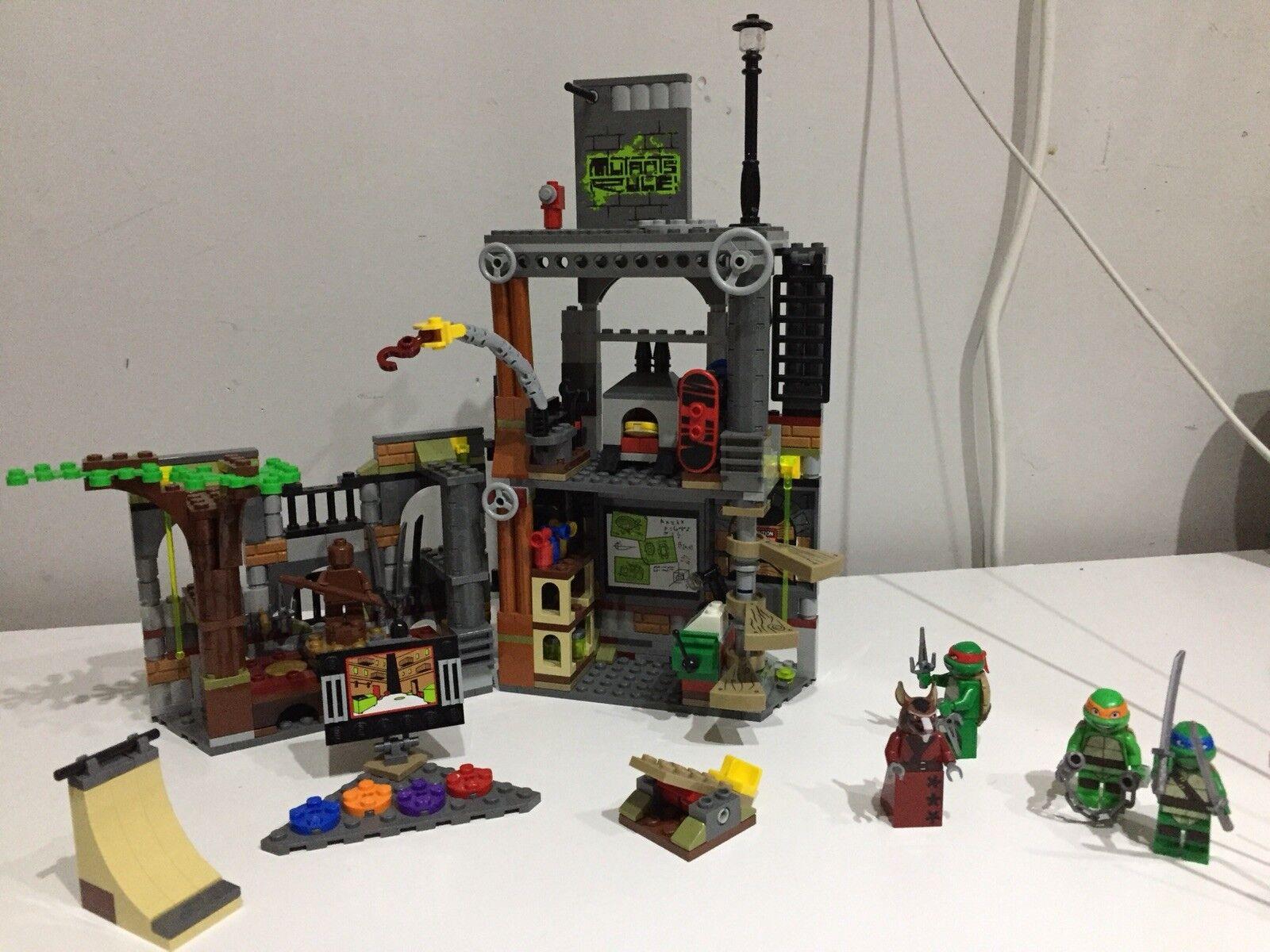 Lego Teenage Mutant Ninja Turtles Turtle Turtle Turtle Lair Attack (79103) lire description   En Ligne  637036
