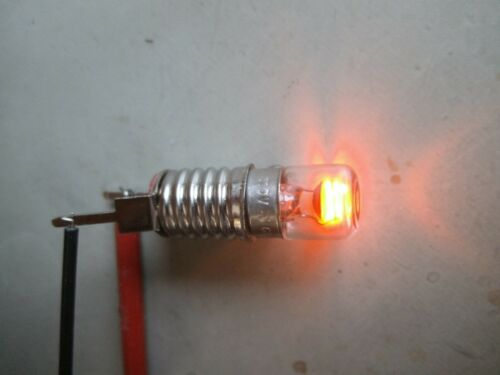 Glimmlampe für 110V Schraubsockel E10 mit Tellerelektroden und Linse selten !