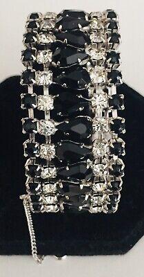 Gray and Clear Rhinestone Bracelet /& Earrings Black