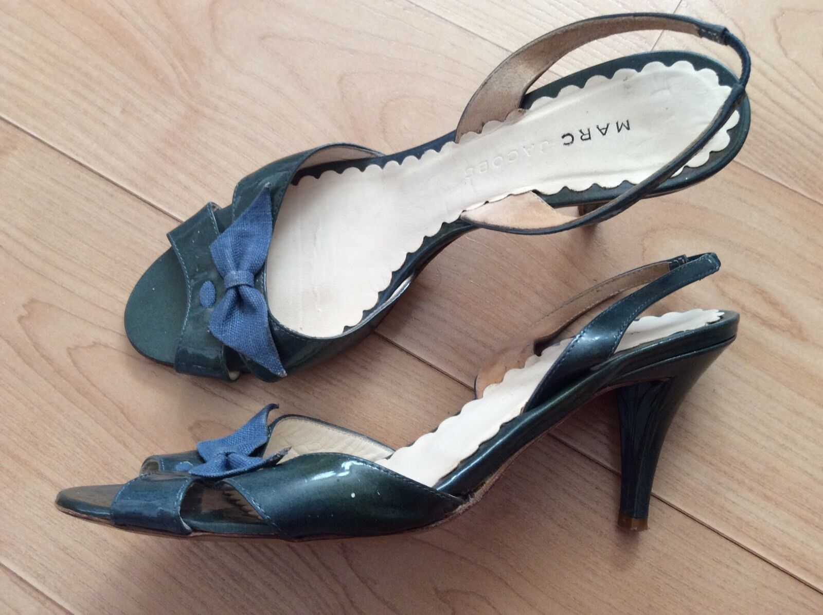 MARC JACOBS Patent Leather Green Bowtie Sandals Slingback Sz 7.5 Italy Worn