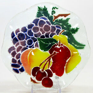 Peggy-Karr-FRUIT-8-5-034-Scalloped-Round-Bowl-Fused-Glass-Rare-Mint-Grape-Cherry