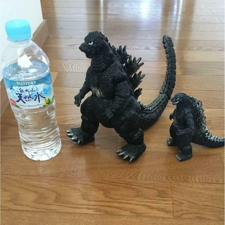Godzilla Figure Battery Type Use in Japan  at1134