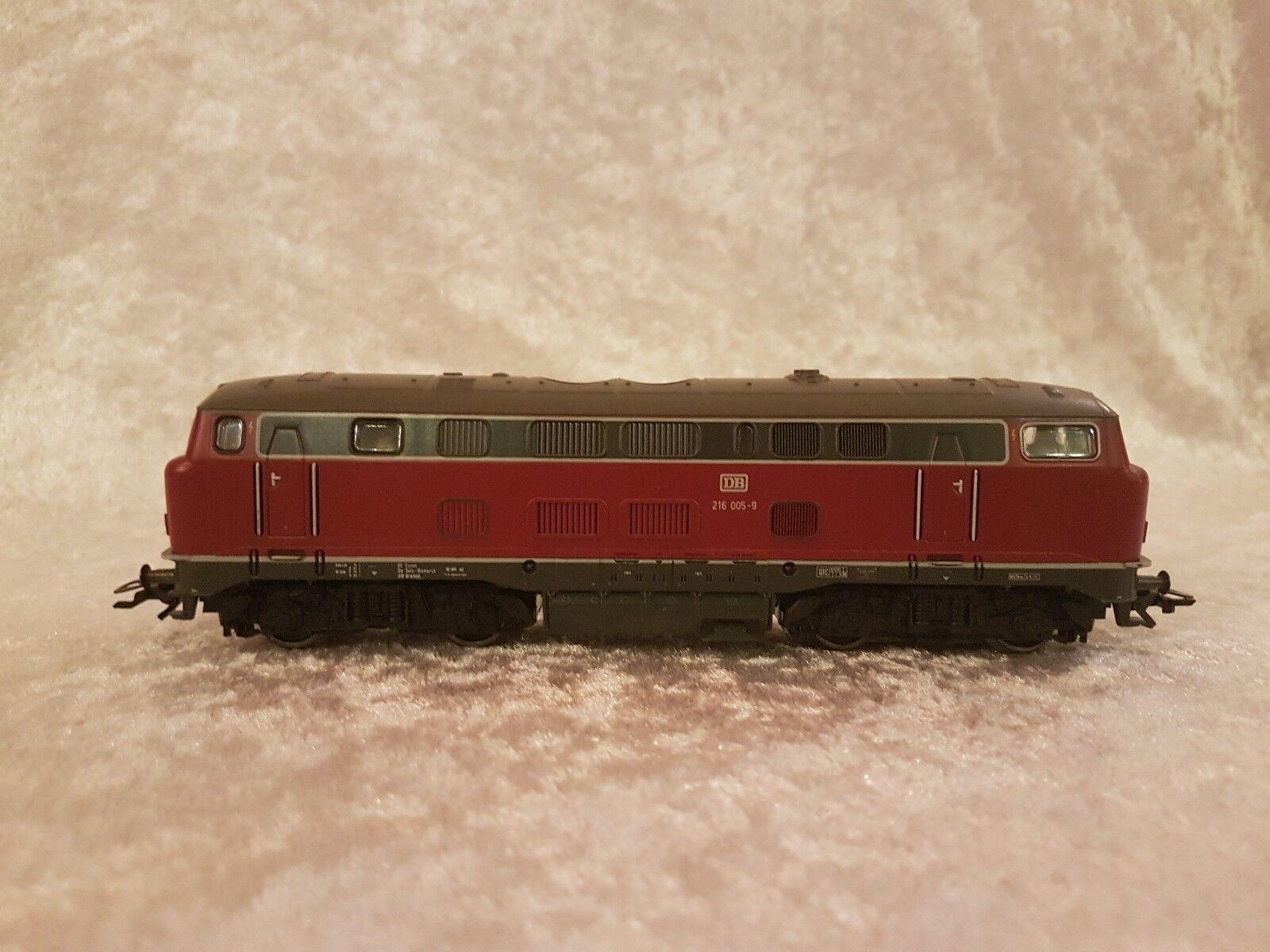 Märklin 3679 Diesel-Lok BR 216  digital, neuwertig in OVP