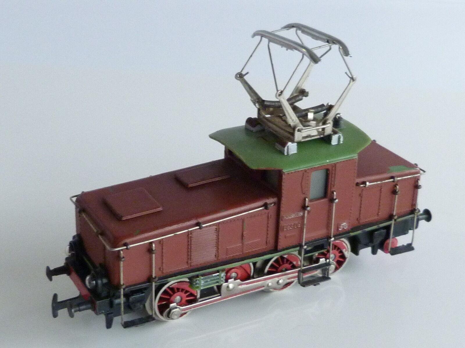 Marklin electric locomotive e 63 02 repainted