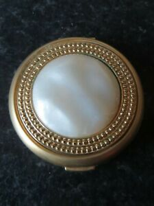 ESTEE-LAUDER-MOBE-COMPACT-LUCIDITY-IN-GOOD-VINTAGE-CONDITION