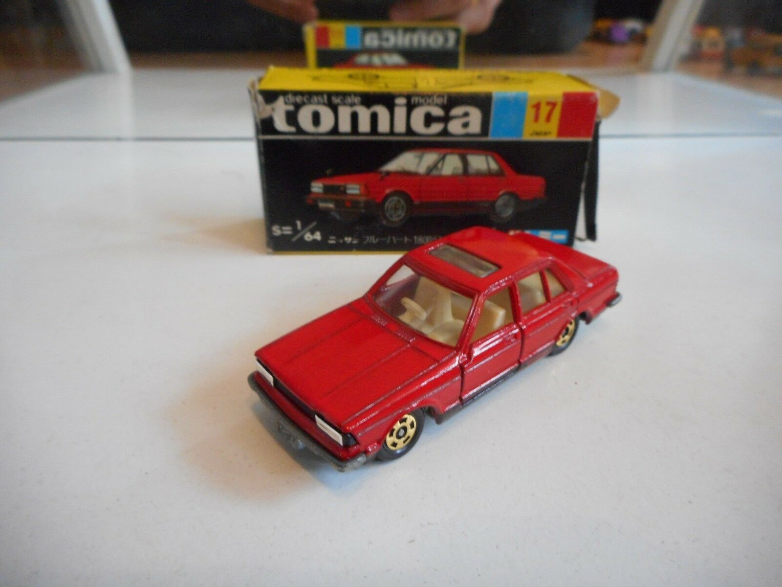 Tomica Nissan blueebird 1800 Turbo SSS-XG in Red in Box (Made in Japan)