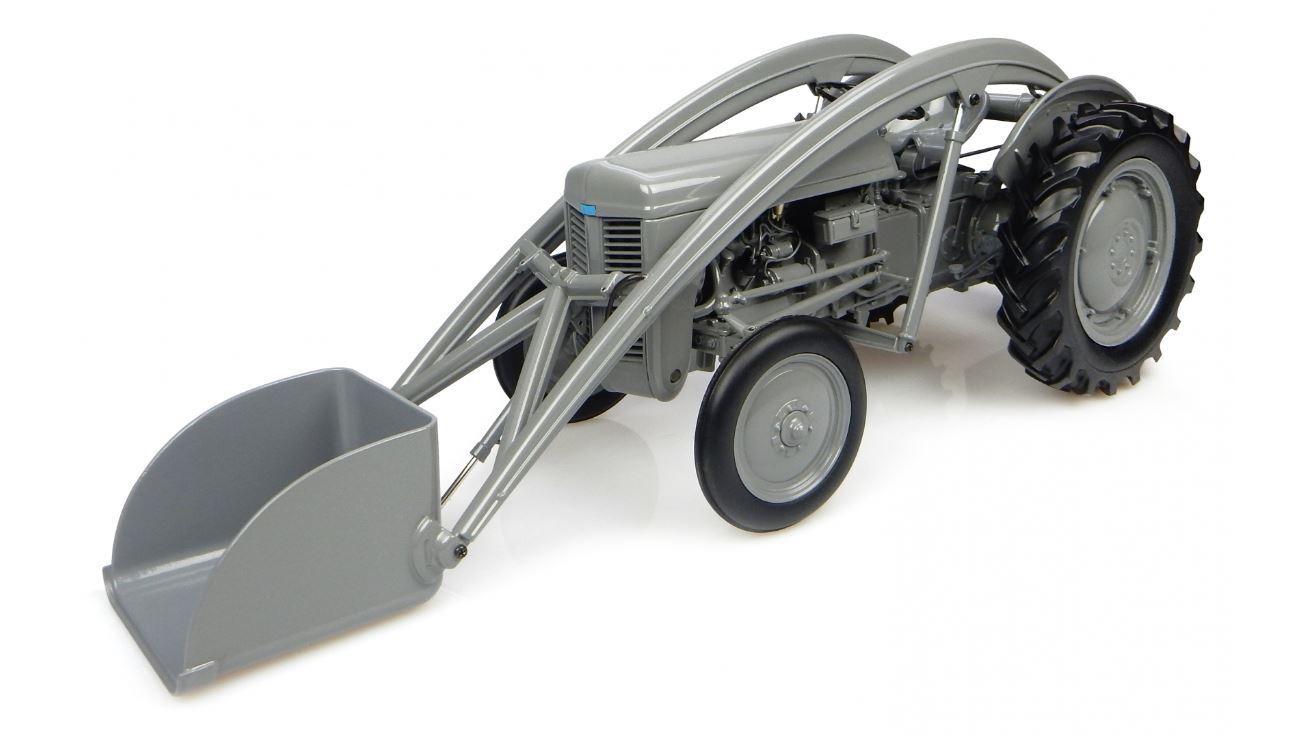 Ferguson Tea 20 Tractor Con Cargadora 116 Diecast Universal Hobbies UH4171