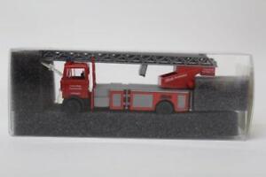 Revell-Praline-80760-Mercedes-B-LP809-Fire-Truck-1-87-Scale-HO-Gauge-Plastic-D12